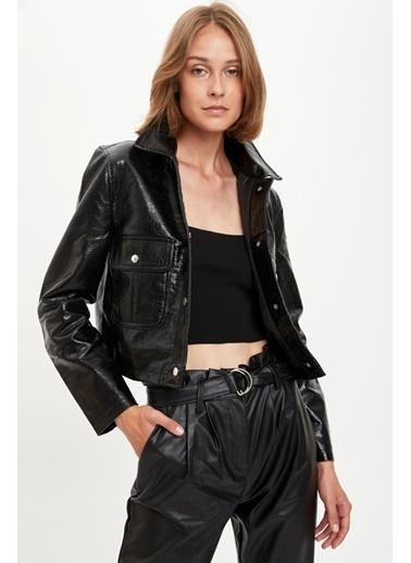 DeFacto Cep Detaylı Deri Görünümlü Ceket Siyah